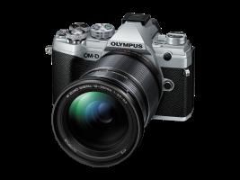 Olympus E-M5III 12-200 Kit ezüst/fekete